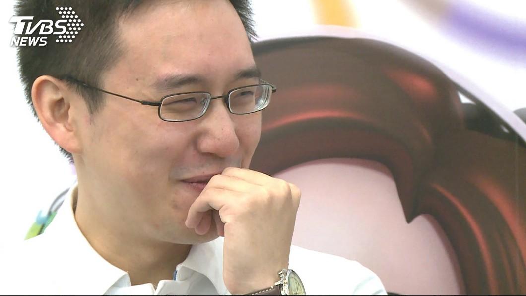 圖/TVBS 口譯哥「根正苗藍」 轉投綠營全因前女友父親