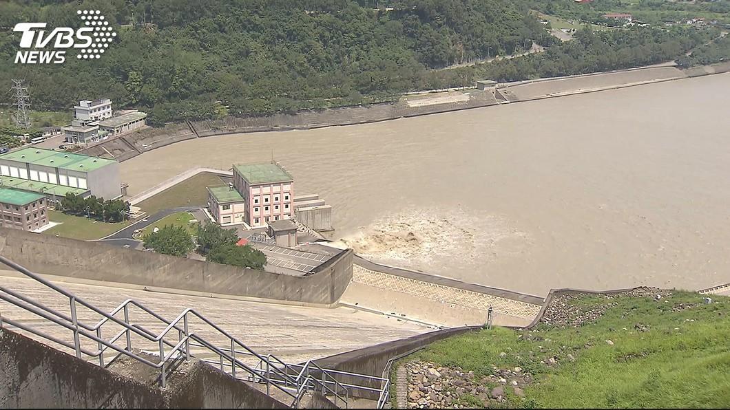 (圖/TVBS) 用水大戶耗水費明年是否開徵? 王美花:還沒定案
