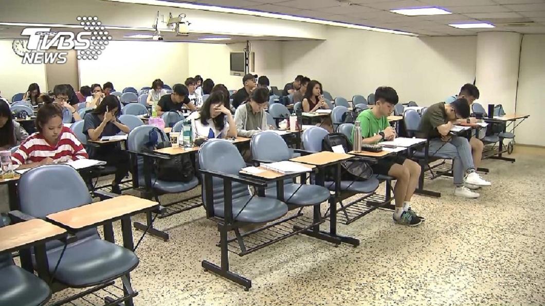 求學過程中,一定都會遇到班上有個超級學霸。(示意圖/TVBS) 學霸國中3年沒抄過筆記…考上台大醫 女泣:智商輾壓