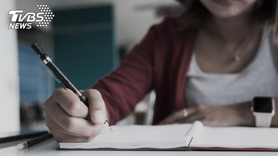 新竹一名人妻偷腥房客,把所有過程寫在筆記本內。(示意圖/TVBS) 愛妻突不給碰…夫驚見筆記本 偷腥房客姊弟戀