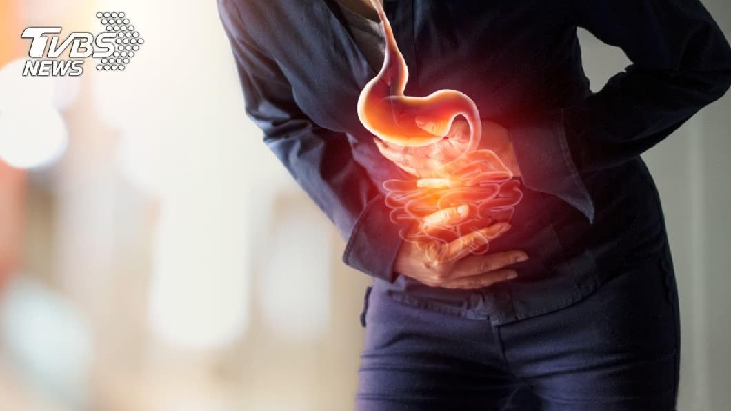 專家分析「變形胃」的形成與生活壞習慣有關。示意圖/TVBS 胃在哀號!專家列6種「變形爛胃」 壞習慣太多