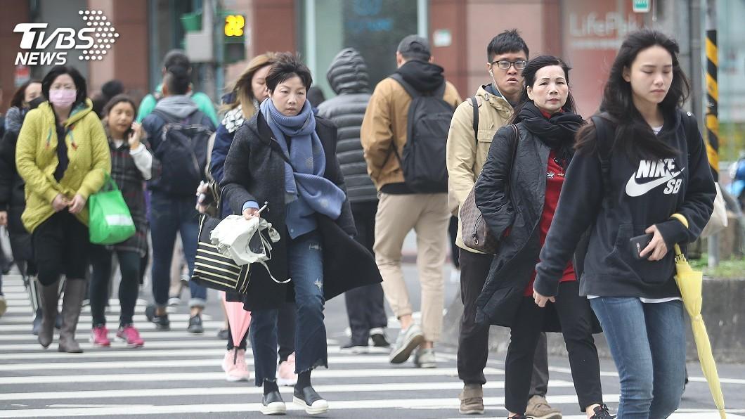 (圖/中央社) 各地早晚秋意濃「低溫下探17度」 北東部短暫雨整天涼