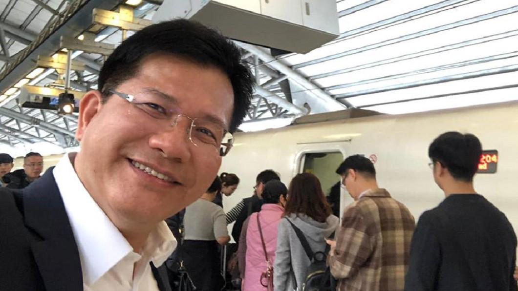 圖/翻攝林佳龍臉書 死不離開台中!林佳龍高鐵打卡 真的通勤到台北上班
