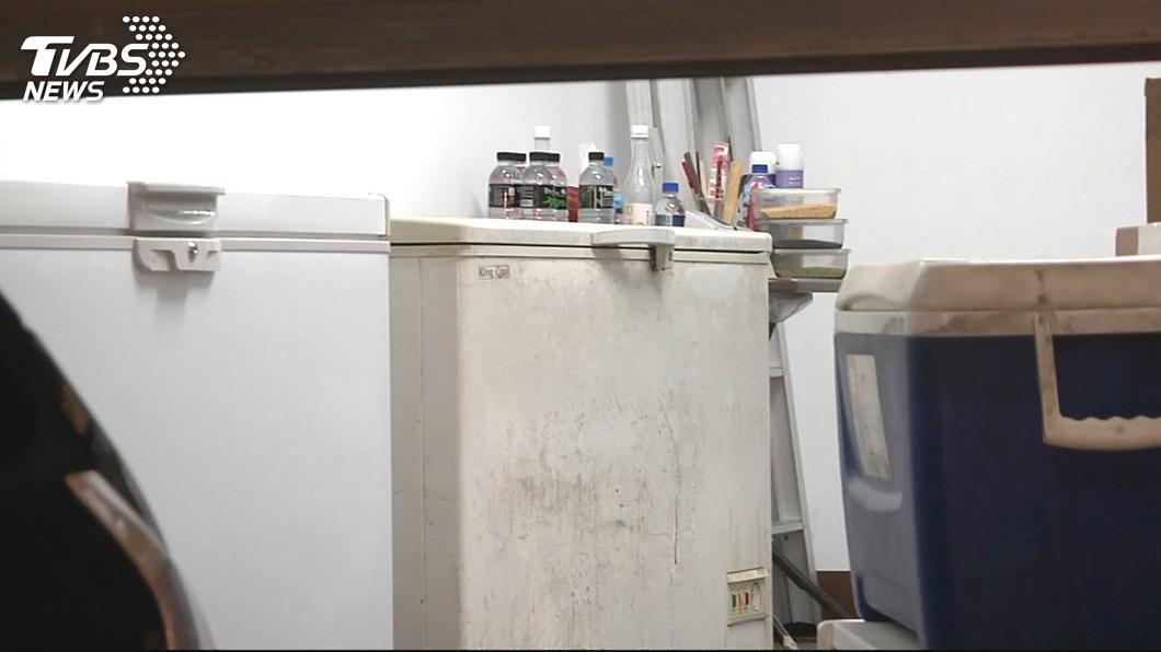 美國日前發生有3名幼童躲進沒插電的冰櫃內遊玩,結果最後窒息身亡。(示意圖/TVBS) 大人轉身上廁所…3幼童趁她不注意 爬進冰櫃窒息亡