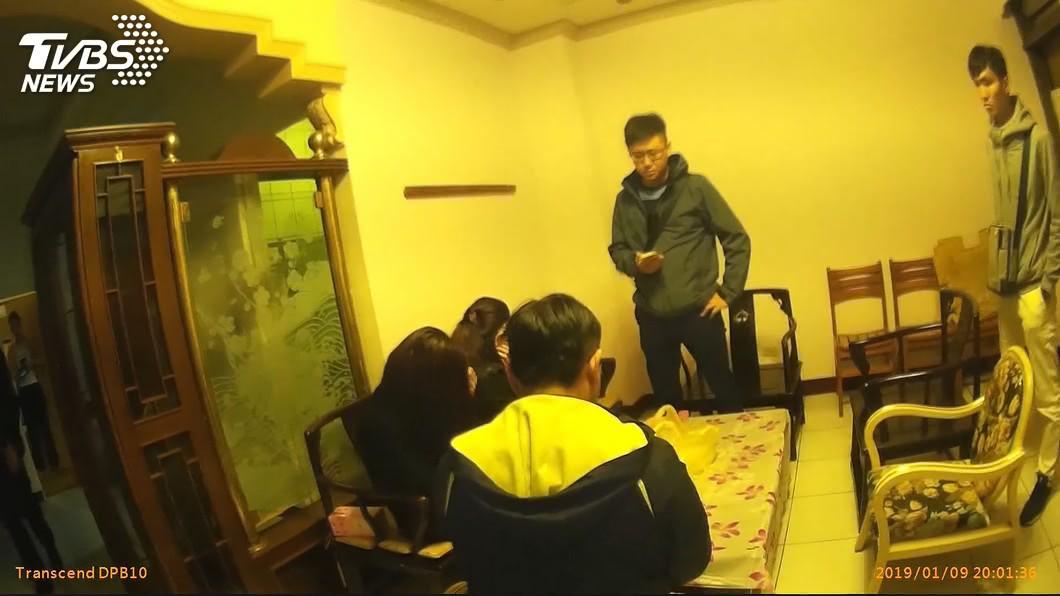 非新聞事件當事人。(圖/TVBS資料畫面) 下海5個月存百萬 熟女向警哭訴:出賣靈魂生不如死