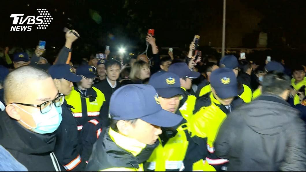 圖/TVBS 難忍「警察打人」!他抗命替警背黑鍋 分局長提小功懲處