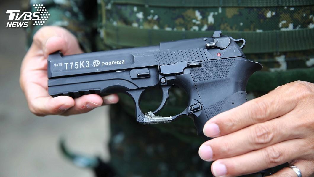圖/中央社 告別「阿公級」手槍 陸軍新配槍T75K3上陣