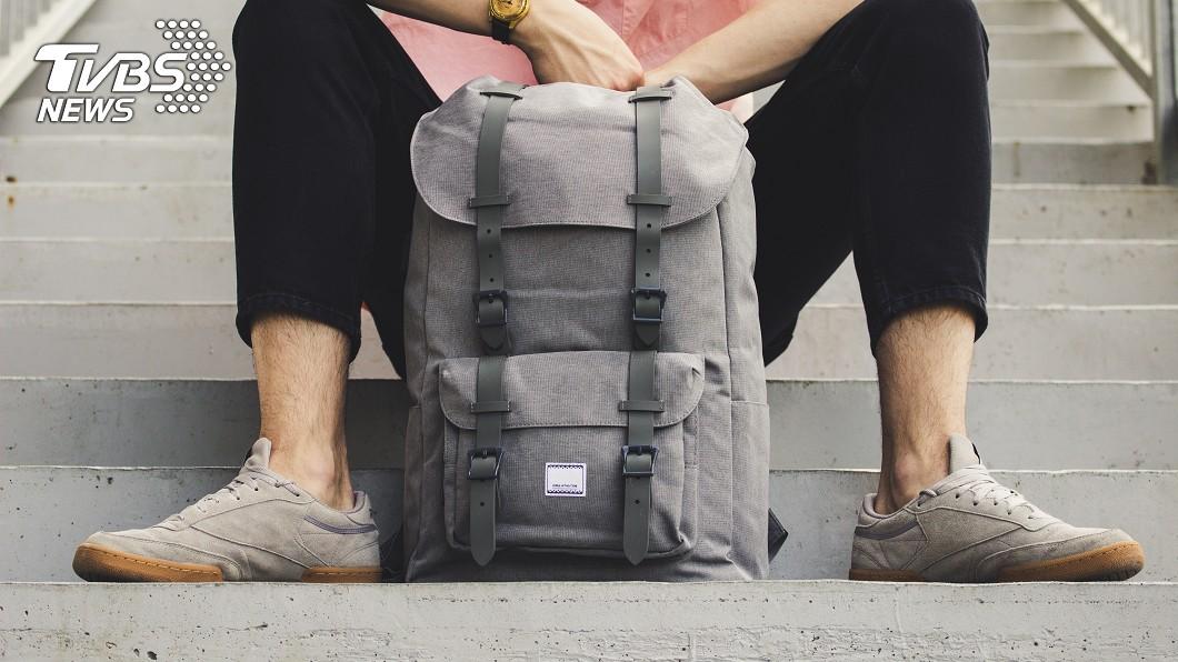 示意圖/shutterstock 掏出來瞬間令人臉紅心跳!暖男背包裡最常見的10個小物