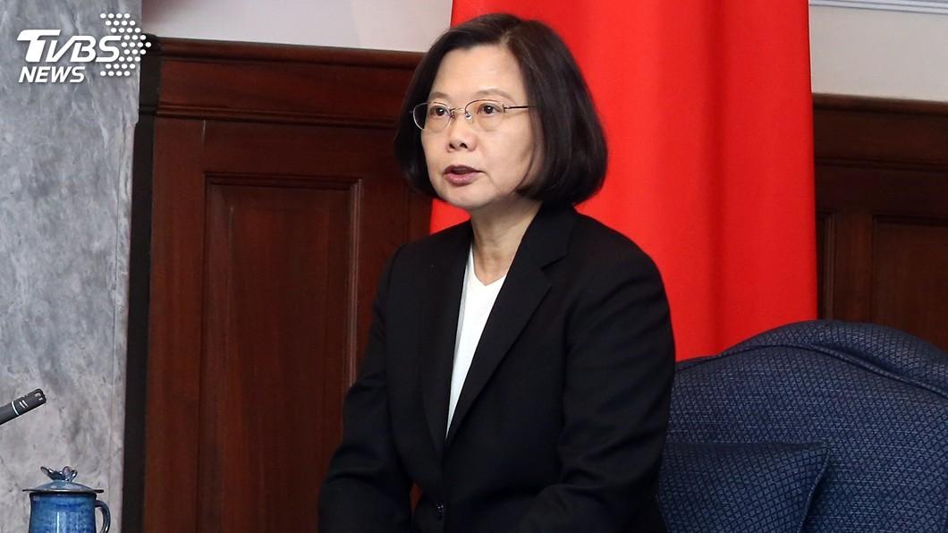 圖/中央社 總統、閣揆力推「加我LINE」 政院:增加溝通管道