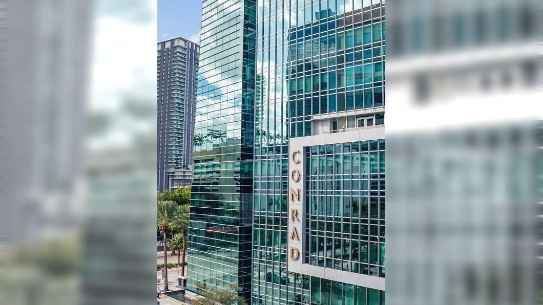 圖/翻攝自Conrad Miami臉書 被強迫週日上班她霸氣罷工 美飯店遭重罰6億