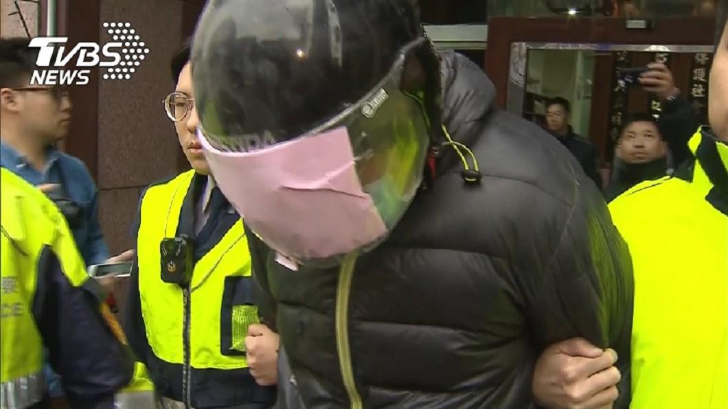 圖/TVBS資料畫面 19歲女為養家陪酒!男友發現氣炸 當孩子面打死她