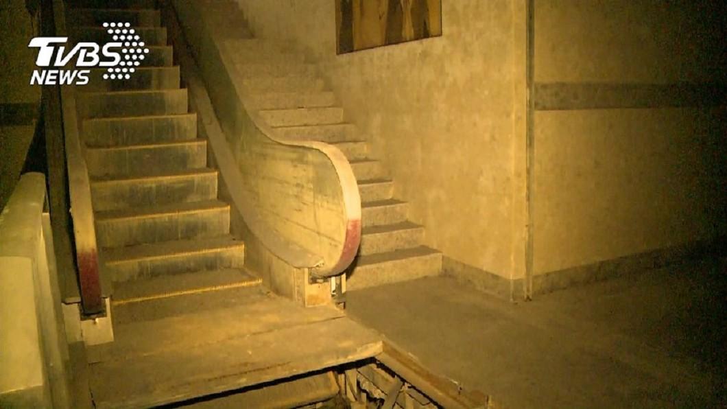 台北市南港萬象大樓因小模命案而聲名大噪。圖/TVBS資料畫面 「南港小模」慘死靈異頻傳 神秘人士低價買下命案凶宅