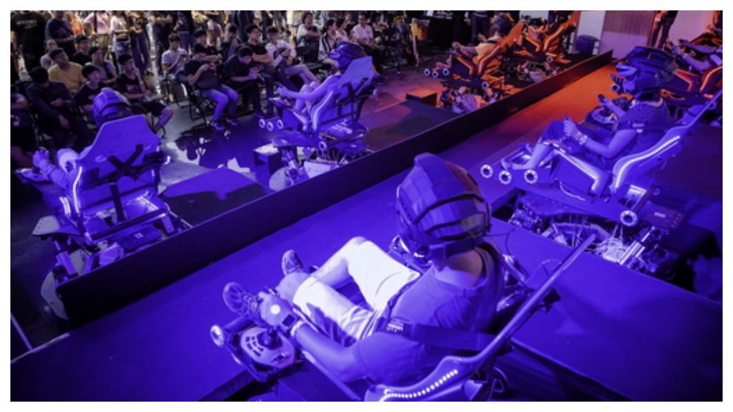 成立18年,企業總部設在高雄的智崴,體感科技全球聞名,不僅擊敗德國、加拿大,成為世界最大的飛行劇院製造商,其體感模擬遊樂設備更插旗全球四大洲,從北半球冰島,到南半球澳洲,都看得到它特有的「飛行劇院」。目前『i-Ride體驗中心』已進駐高雄軟體園區,成為前瞻計畫體感科技園區中,八大領導機構之一成為前瞻計畫體感科技園區中,八大領導機構之一,未來可望為電競產業帶來新商機。   圖/中央社