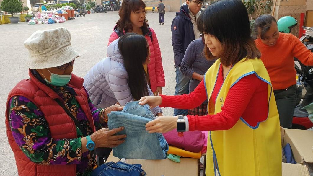 圖/統一社福基金會提供 統一集團員工送愛 募逾3萬件二手衣