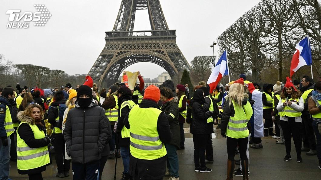 圖/達志影像美聯社 法國黃背心攻擊媒體 無國界記者組織連署反對