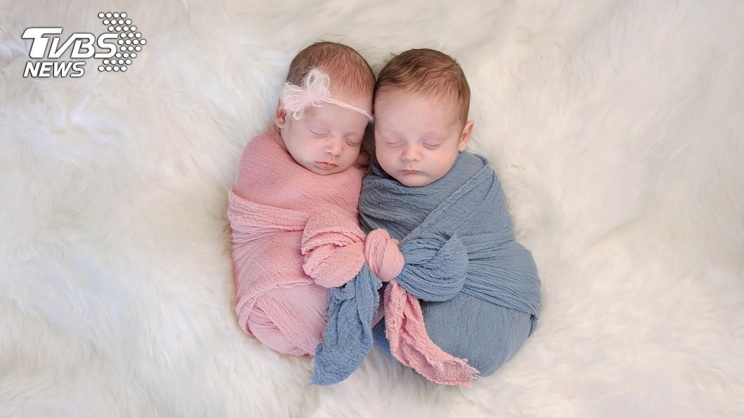 謝父與謝大哥兩人私下將謝男剛出生的6女兒及謝大哥同年出生的兒子「調包」示意圖。 生女兒錯了嗎?他連生8女被逼送養 還被大哥硬塞1兒