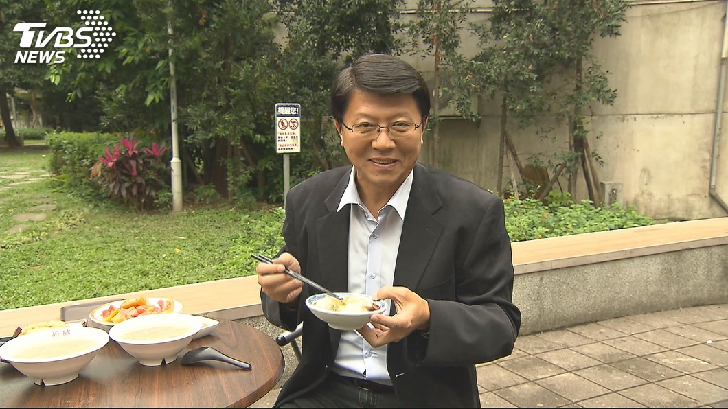 謝龍介最近開了新的節目。圖/TVBS資料照 上節目化身愛情顧問 謝龍介甜喊:一生只愛佳芬一人!