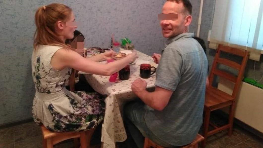 人妻控訴與丈夫搬回莫斯科後,丈夫就搞外遇,還讓小三登堂入室,還將她趕出家門。圖/翻攝臉書「我的俄羅斯丈夫和他的第三者My husband & his mistress」