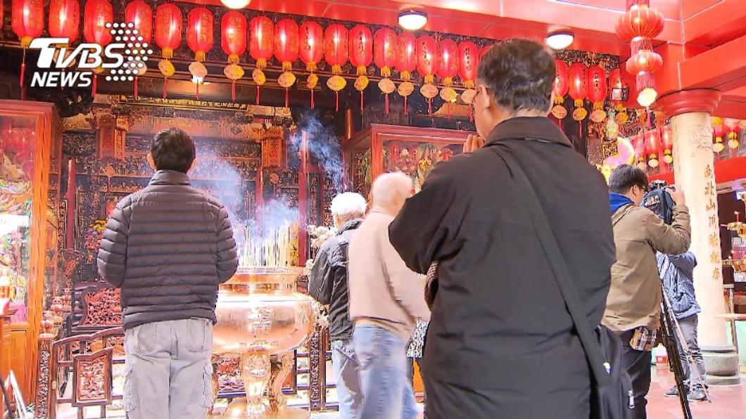 在宮廟拜拜時,向神明說的話也有小眉角。(示意圖/TVBS資料畫面) 「求神5金句」神明最愛聽 達人曝說對必得祂疼愛