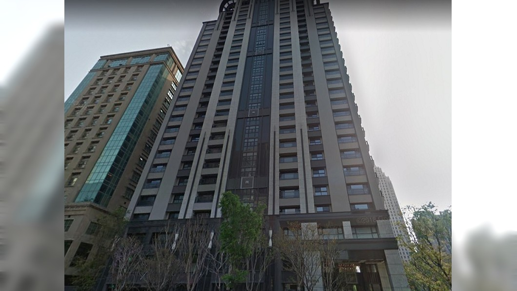 「國泰璞匯」去年曾名列台中10大豪宅中。(圖/翻攝自Google map) 風光不再!它1坪慘跌10萬元 遭踢出台中10大豪宅