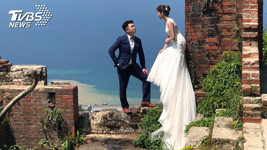 體育主播藍于洺,婚紗照風格喜歡親近大自然 。(圖/TVBS)