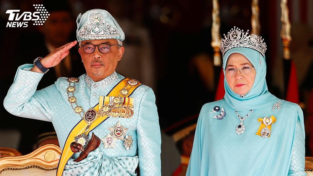圖/達志影像路透社 前元首閃退 馬來西亞新蘇丹宣誓就職