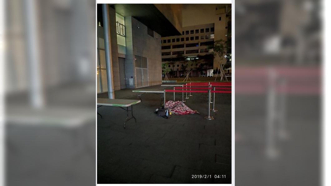 圖/翻攝自韓國瑜後援會 韓國瑜紅包太搶手 鐵粉露宿街頭為搶頭香
