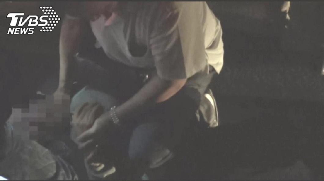 警方循線逮捕到吳姓兇嫌。(圖/TVBS)