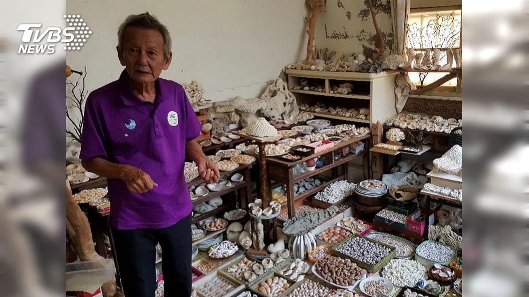 圖/中央社 80歲阿伯天天騎重機尋寶 蒐藏超過200萬顆貝殼