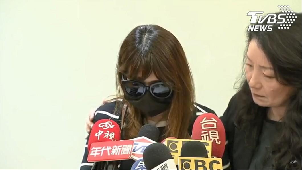 女童母親今日召開記者會控訴丈夫。(圖/TVBS)