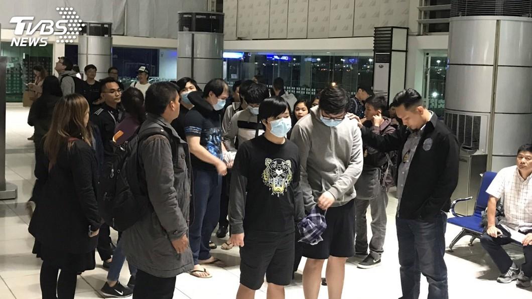圖/菲律賓機場人員提供 菲律賓強遣台嫌赴陸 外交部嚴正關切與遺憾
