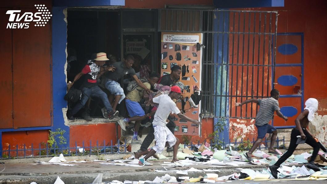 圖/達志影像美聯社 海地反總統抗議活動爆插曲 監獄78囚全數逃脫