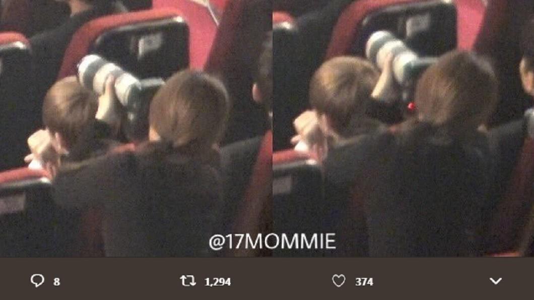 先前有粉絲把手靠在SEVENTEEN團員的椅子上拍攝。圖/翻攝自17MOMMIE推特