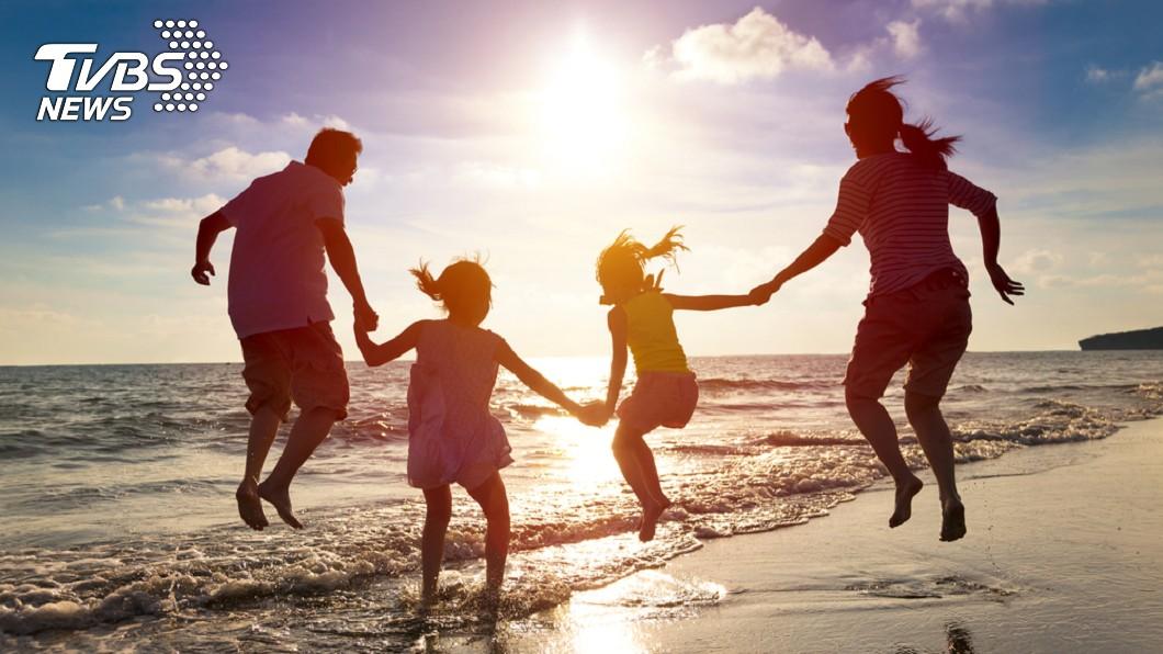 命理微信號分享福氣4面相,不僅婚姻家庭幸福,還能活得長壽。(示意圖/Shutterstock達志影像) 「福氣4面相」天生自帶幸運值 耳垂厚實一生受庇佑