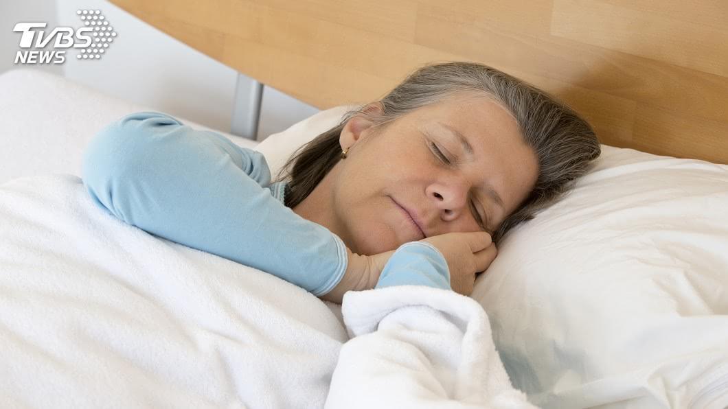 示意圖/TVBS 白天多運動限制午睡時間 老人才會睡得好