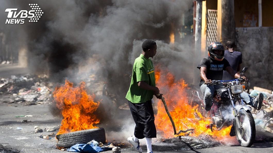 圖/達志影像美聯社 暴力示威困百名觀光客 加拿大暫關駐海地使館