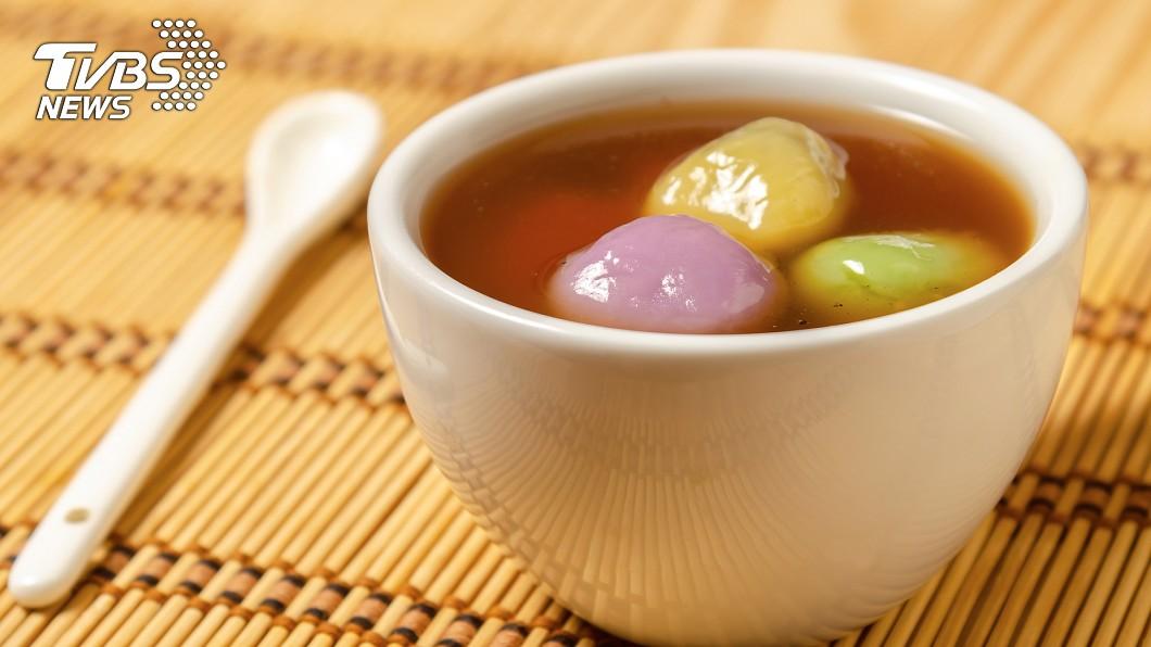 許多民眾都會在元宵節吃湯圓。示意圖/TVBS 元宵節吃湯圓!不幸噎到…醫警告:別急著拍背