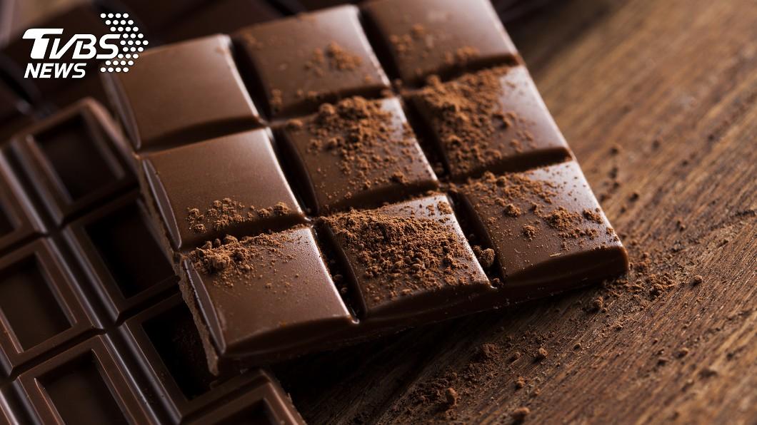 大陸3歲男童誤食摻有禁藥的減肥巧克力。(示意圖/Shutterstock達志影像) 減肥巧克力摻禁藥 陸男童「翻白眼吐舌」亢奮2天沒睡