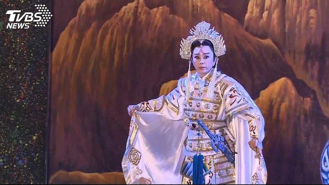 孫翠鳳2月還為高雄燈會進行演出。圖/TVBS 快訊/明華園台柱孫翠鳳 晚間驚傳昏倒送醫