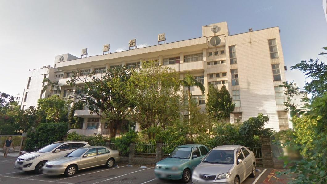 醒吾中學。圖/谷歌地圖 積欠勞健保376萬 醒吾高中校舍被查封才說要還錢