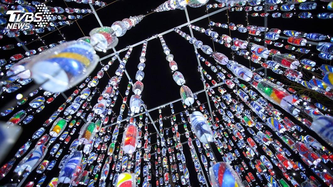 圖/中央社 香港旅遊平台力推:台灣燈會美似海邊的TeamLab