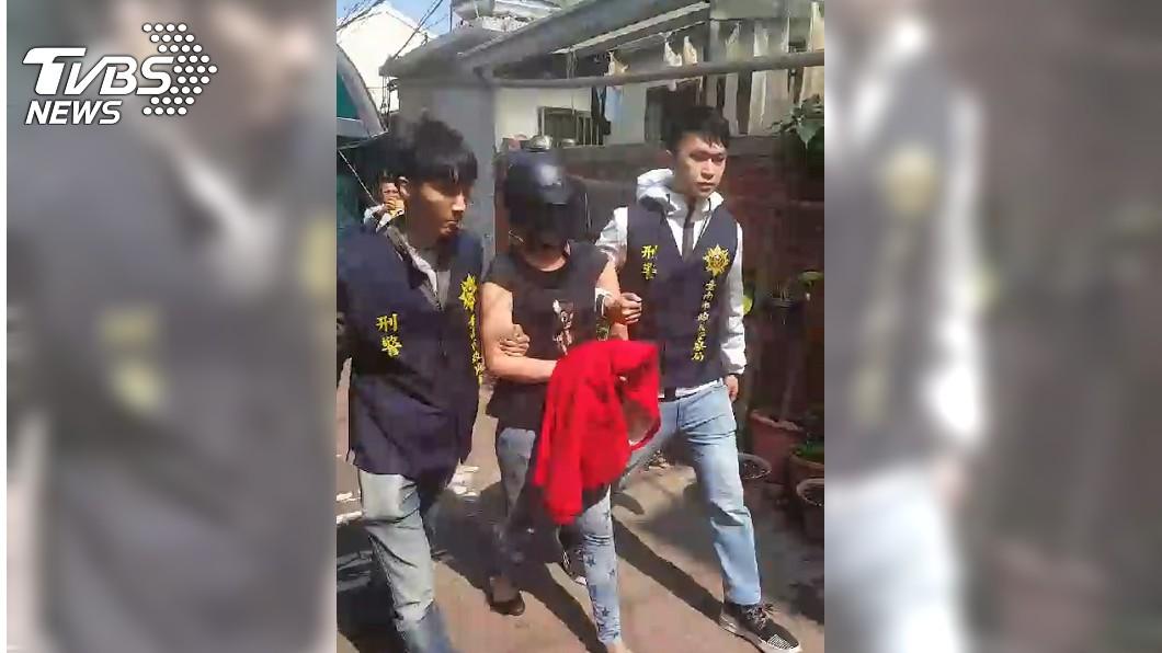 圖/TVBS 口罩女抓到了!台南婦遭猛刺腸外露 警拘提女凶嫌