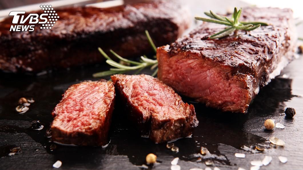 外國廚師會看不起點全熟牛排的客人。示意圖/shutterstock 點全熟牛排=沒品味? 廚師告訴你真相!