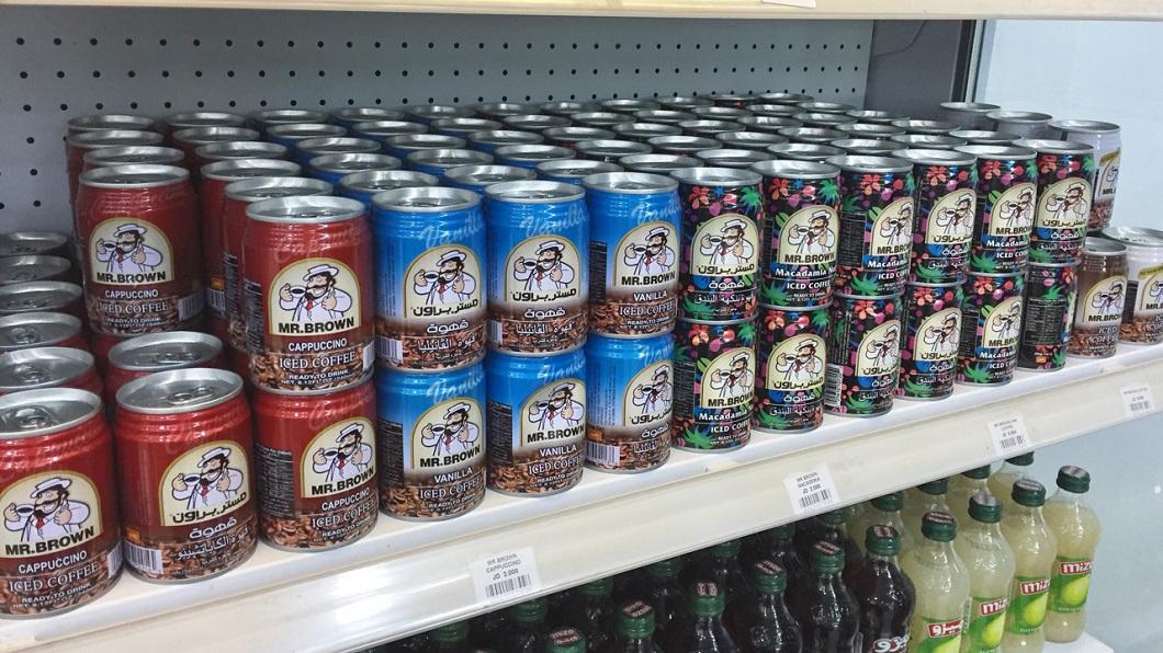 伯朗咖啡是台灣知名的本土品牌飲料,沒想到有網友發現它在國外熱銷。(圖/翻攝自PTT)