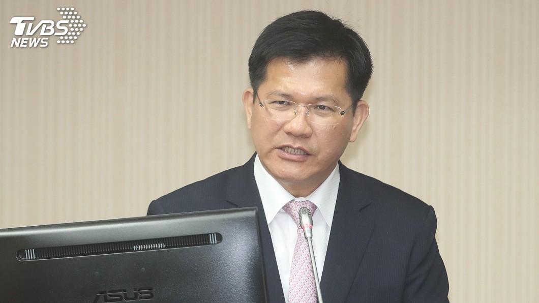 圖/中央社 長榮空服員罷工 林佳龍決定提前返台處理