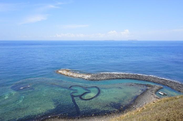 澎湖景點-七美雙心石滬。 圖/翻攝自Tripbaa趣吧!亞洲自由行專家