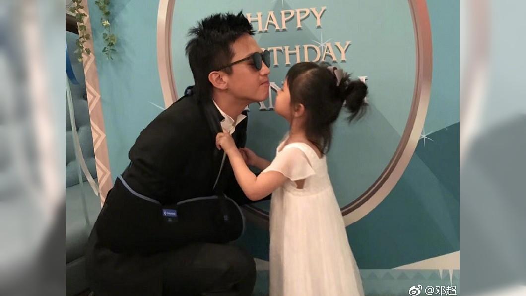圖/翻攝自鄧超微博 太想爸爸…4歲女兒一段話淚訴 男星看完爆哭