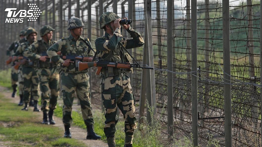圖/達志影像路透社 巴基斯坦擊落2架印度戰機 俘虜1名印軍飛行員