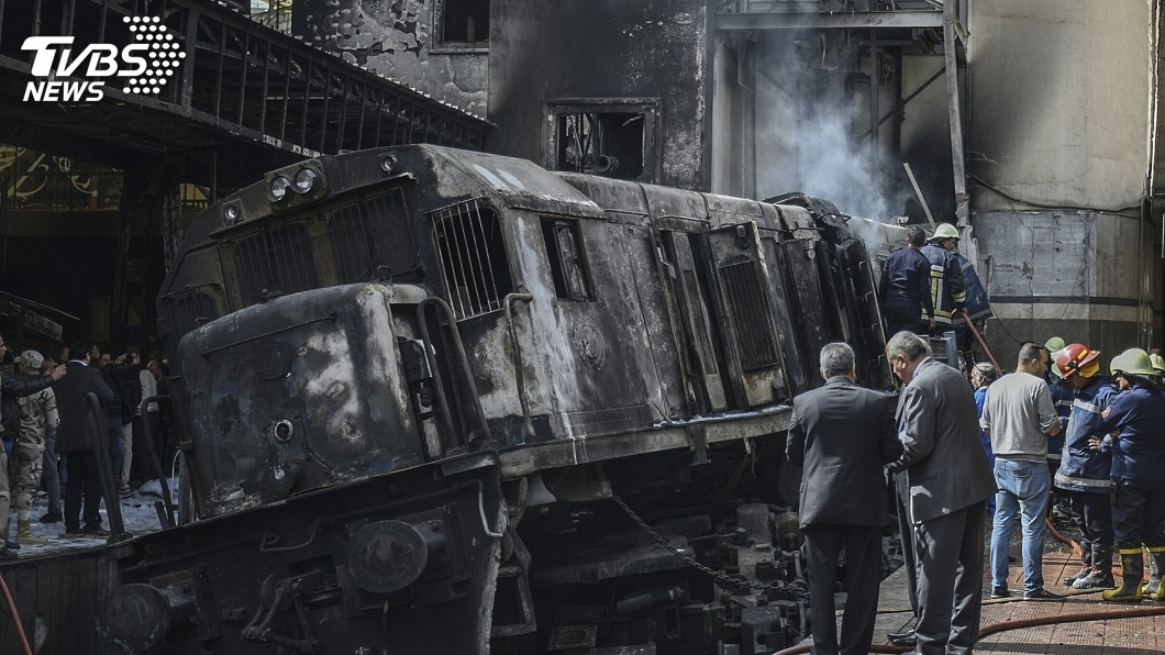 圖/達志影像美聯社 火車撞月台成火海逾80死傷 竟是司機下車吵架釀禍