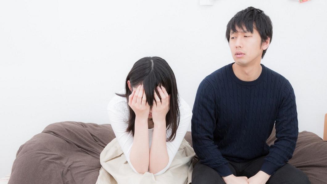 示意圖,非本文當事人。圖/翻攝自pakutaso網站 夫堅持婚前守貞 嫩妻洞房夜驚見「奈米雞」崩潰